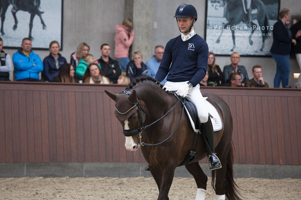 104. Blue Hors Don Olymbrio - Reiter Daniel Bachmann Andersen
