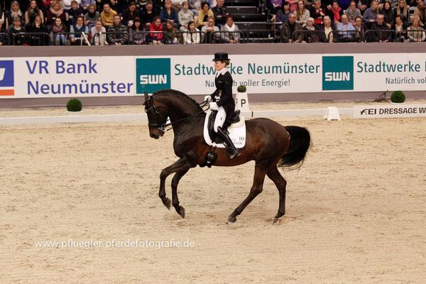 Helen Langehanenberg (Deutschland) auf Damsey FRH (Dressage Royal x Ritual)
