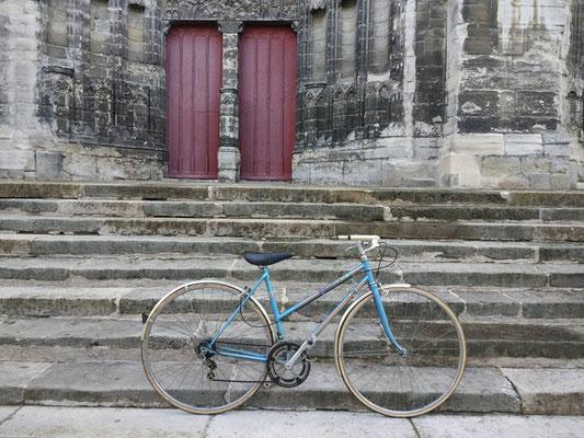 cathédrale de Meaux et vélo vintage