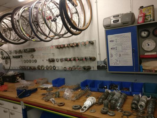 atelier reparation de vélo vintage