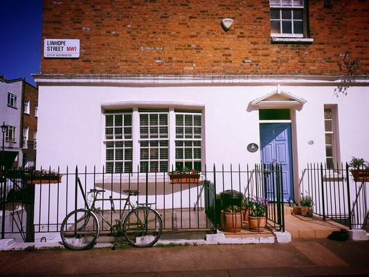 vélo devant une maison à Londres