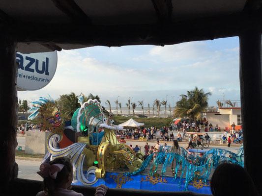 Vista desde nuestro balcón Carnaval Carmen 2016