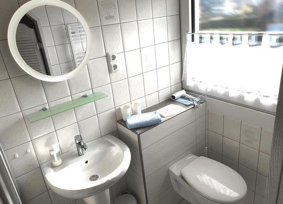 Badezimmer II mit WC/Dusche (grenzt direkt an das Schlafzimmer II)