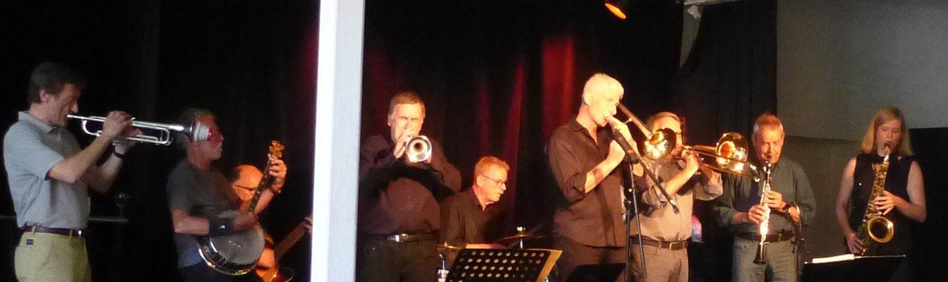 tp: Wolfgang; bj: Wolfgang; git: Thomas; tp: Rainer; drs: Koffi; tb: Uli; tb: Alfred; cl: Uwe; tsx: Sigrun