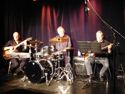die Rhythmusgruppe mit Thomas, Koffi und Mike