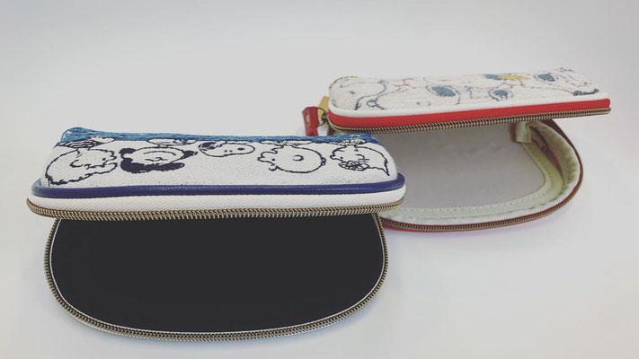 ゴブラン織りメガネケース  取り外し可能な保護パーツで、眼鏡をしっかりガード  保護パーツを取り外せば、メイクポーチとしてもご使用できます  col.NATIVE blue / RED ¥2,300-+tax