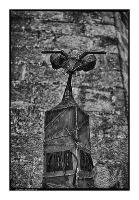 Insect totem vanorbeek magnin photo: Joel Bardeau