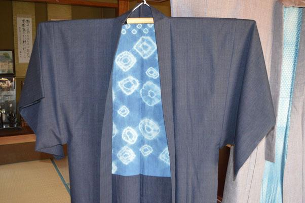 羽織も頑張りました、自分で絞った藍染の裏地です
