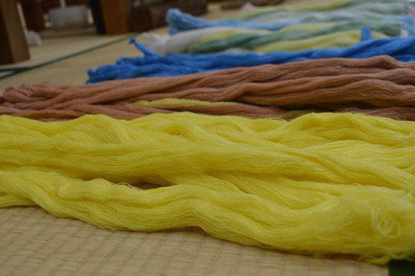 原材料の糸です