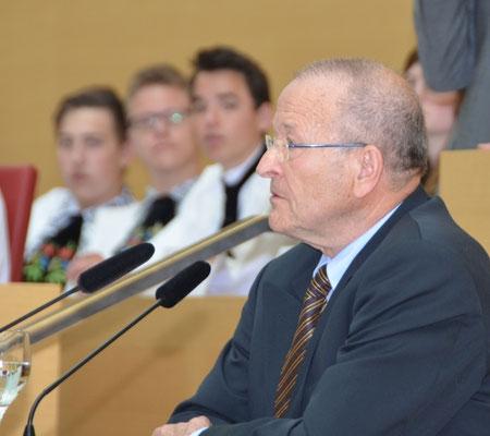 Dr. Martin K. Bachstein hält die Laudatio