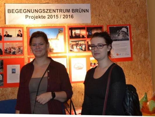 Studentinnen unseres Debattierclubs zu Gast an unserem STand