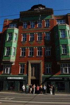Das frisch renovierte ehemalige Haus der Bezirkskrankenkasse