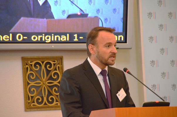 Eröffnung durch Martin Dzingel, den Präsidenten der Landesversammlung