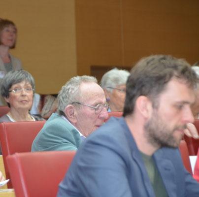 Im Zuschauerraum auch der Schriftsteller Ota Filip