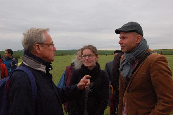 Dr. Helmit Eikam mit Pfarrer Jan Hanak und der evangelischen Pastori n