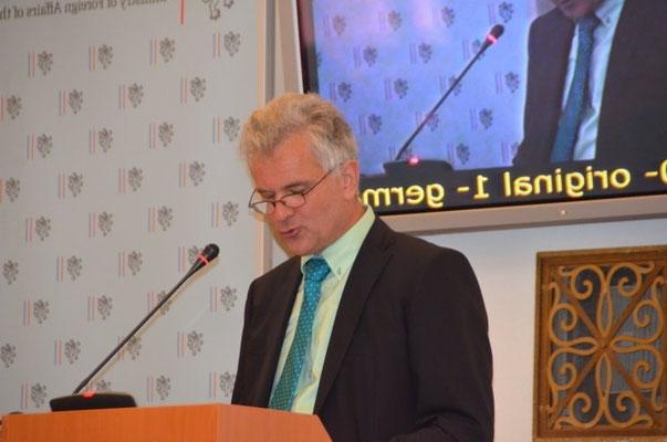 Herr Martin Gärtner, Gesandter der Österreichischen Botschaft in Prag