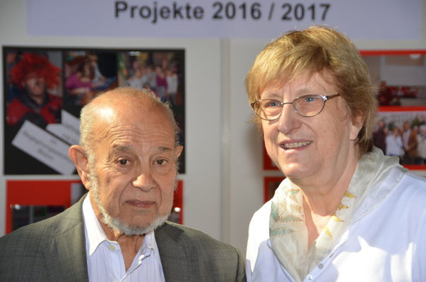 Wir danken Herrn Karel Holomek für seinen Besuch an unserem Stand