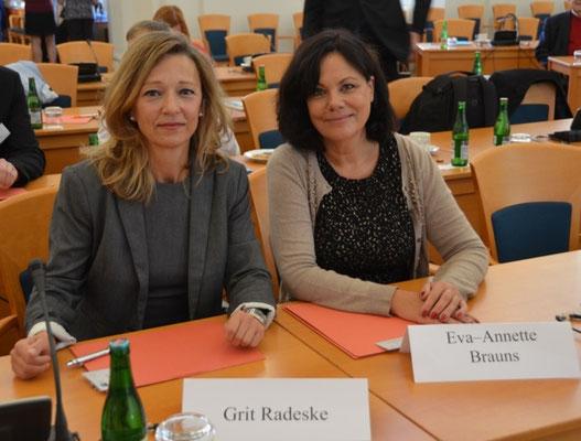 Frau Grit Radeske und Frau Dr. Eva Annette Brauns, Bundesinnenministerium, Ref. Deutsche Minderheiten