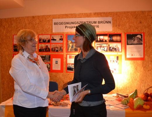 Frau Dr. Anna Juraschek, IfA Koordinatorin für Polen und Tschechien zu Gast an unserem Stand