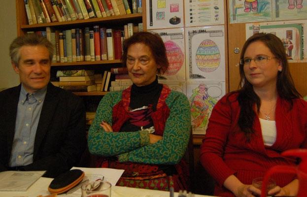 Dr. Zdeněk Mareček, Frau Dr. Schober-Bendixen und Frau Marie Pařilová, Magistrat der Stadt Brünn