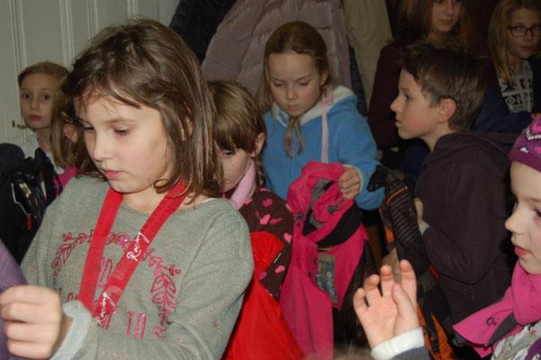 ..das ist kein Kinderüberfall, sondern die Theatergruppe der Grundschule Brno Antoninska