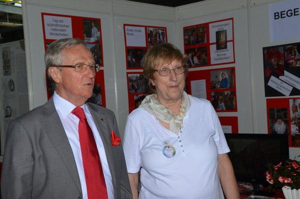Wi danken Herrn Dr. Helmut Eikam für seinen Besuch an unserem Stand