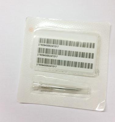 Nadel mit Chip und Aufklebern