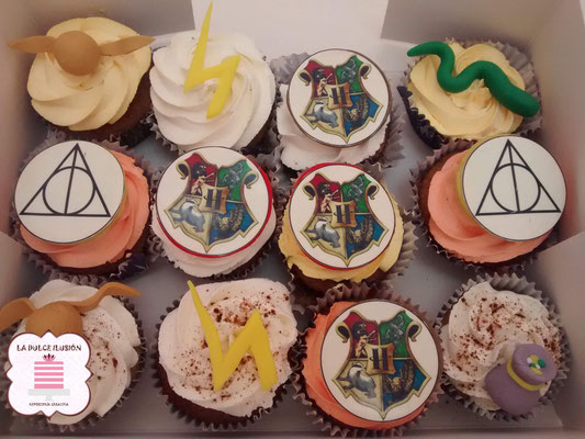 Cupcakes de Harry Potter, Gryffindor, Ron, Hermione, Hagrid y Dumbledore, jk rowling, dibujos. Cupcakes con impresiones comestibles para mesa dulce en Cartagena, Murcia. Dulces personalizados