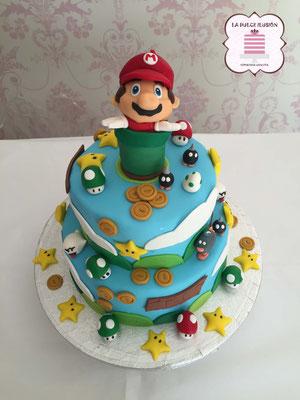 Tarta de fondant Mario Bros. Tarta de fondant original de tres pisos. Tarta de cumpleaños original.