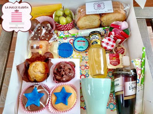 Desayunos a domicilio en Murcia y Cartagena. Desayuno a domicilio con galletas decoradas. Repostería creativa recién hecha. Desayunos La dulce ilusión