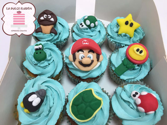 Cupcakes de Super Mario Bros, color azules con fondant y dibujos. Cupcakes para celebración, mesa dulce, candy bar en Cartagena, Murcia. Dulces personalizados
