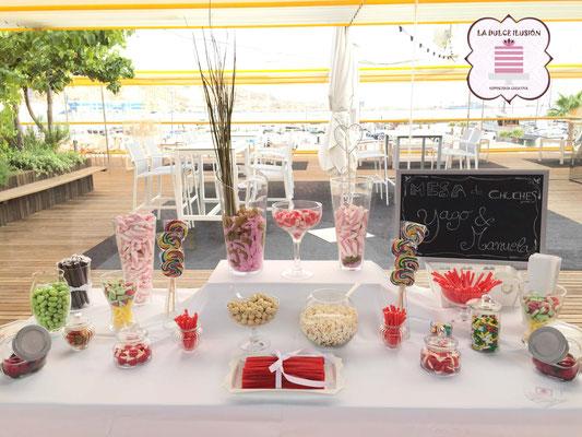 Mesa dulce en Cartagena. Candy bar boda en Cartagena. Tarta de boda, cupcakes, cakepops, cookies, bagel, golosinas. La dulce ilsuion