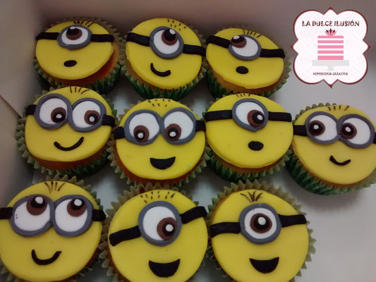 Cupcakes minions, cupcakes gru mi villano favoritocolor amarillos con fondant y dibujos. Cupcakes para celebración, mesa dulce, candy bar en Cartagena, Murcia. Dulces personalizados