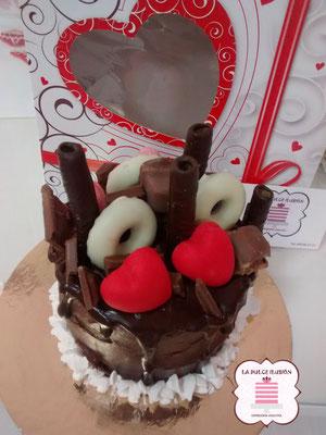 dripcake de san valentin. Tarta de enamorados. Pastel en cartagena, murcia