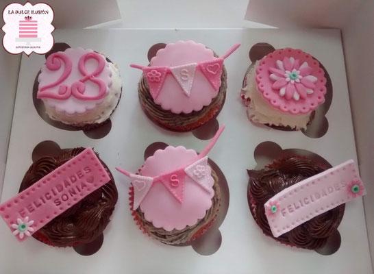 Cupcakes cumpleaños en Cartagena, Murcia. cupcakes rosas. cupcakes en Cartagena, Murcia.