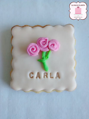 Galletas bautizo. Galletas para Baby Shower. Galleta de flor rosa y blanca.