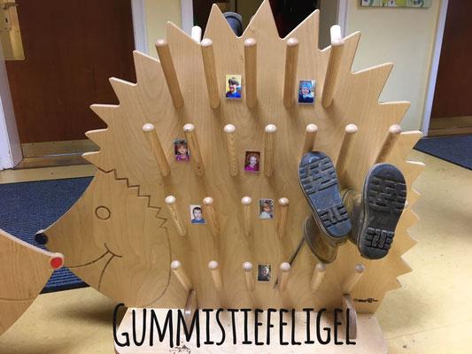 2 Stiefel-Igel für den evangelischen KiGa