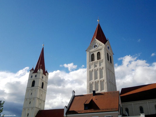 Türme St. Johannes d. T. (links) und Kastulus-Münster (rechts)