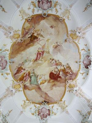 """Fresko im Langhaus """"Verklärung der Hl. Thekla umgeben von weiblichen Heiligen"""""""