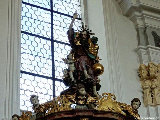 Kanzel-Schalldeckel mit Gottvaterfigur