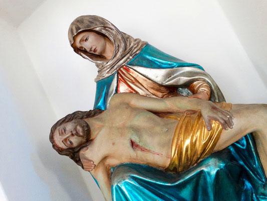 Pieta Figur