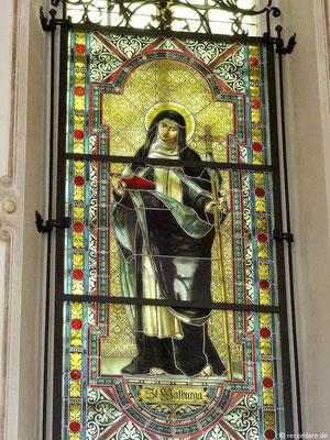 Glasfenster mit der Bistumspatronin Hl. Walburga