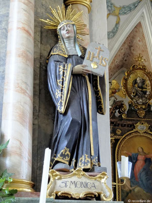 Statue der Hl. Monika