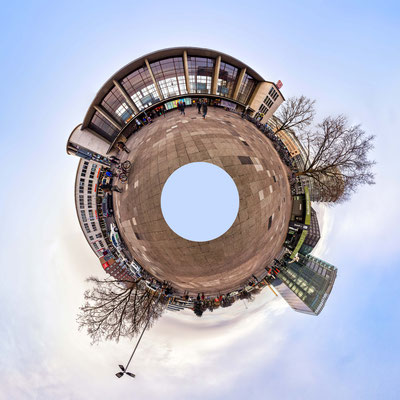 Little Planet Hauptbahnhof.