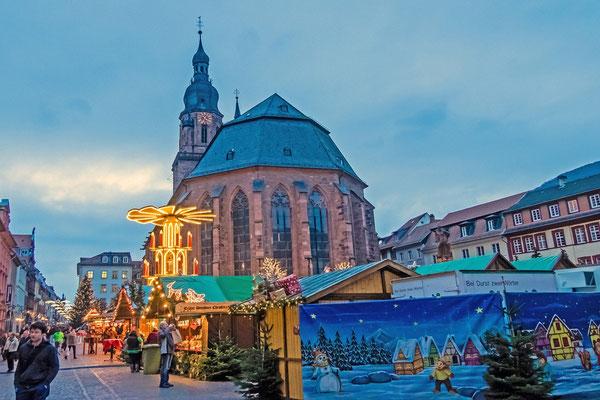 Weihnachtsmarkt am Marktplatz.