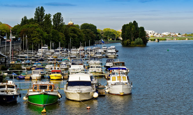 Yachthafen am Bergheimer Ufer.