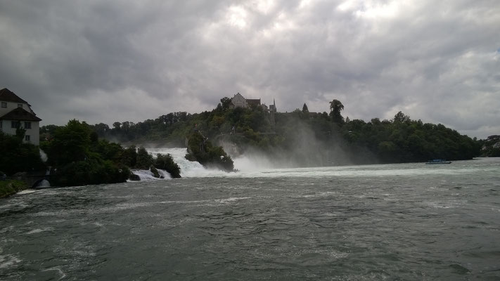 Wunderschöner Rheinfall.