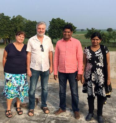 Karin & Bernhard Koch mit Pastor Moses & seiner Frau Angel