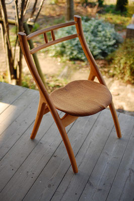 木の椅子 美しい 曲線 軽い