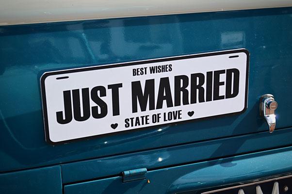 Just married Volkswagenbusje